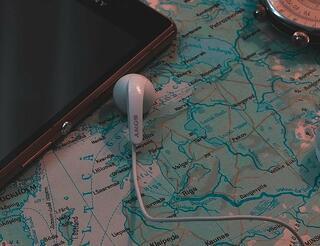 GPS, telefonas, mbilus internetas, geolokacija, kelionės